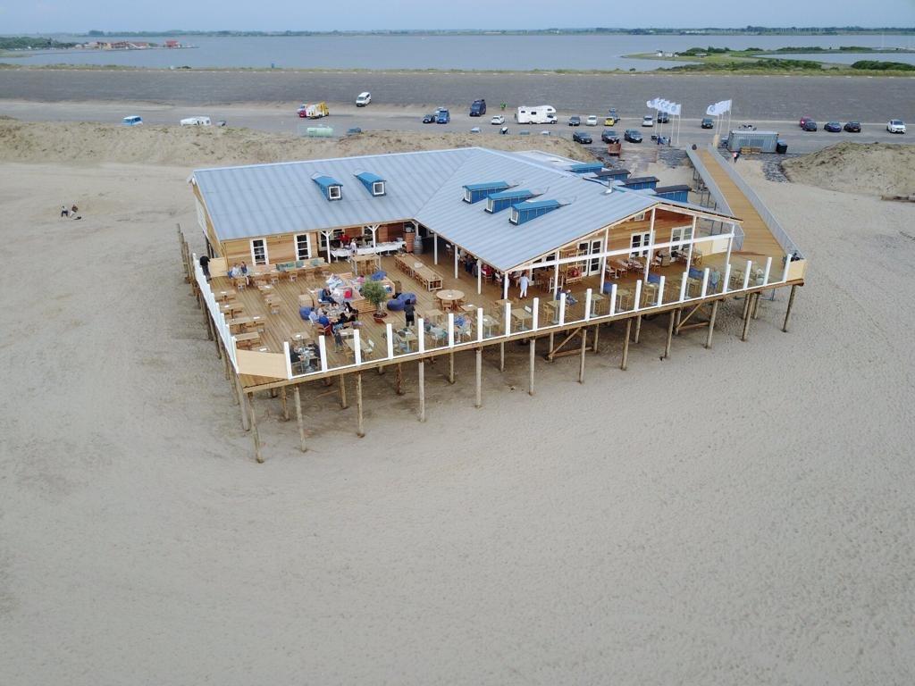 Brouwersdam Zeeland beach restaurant